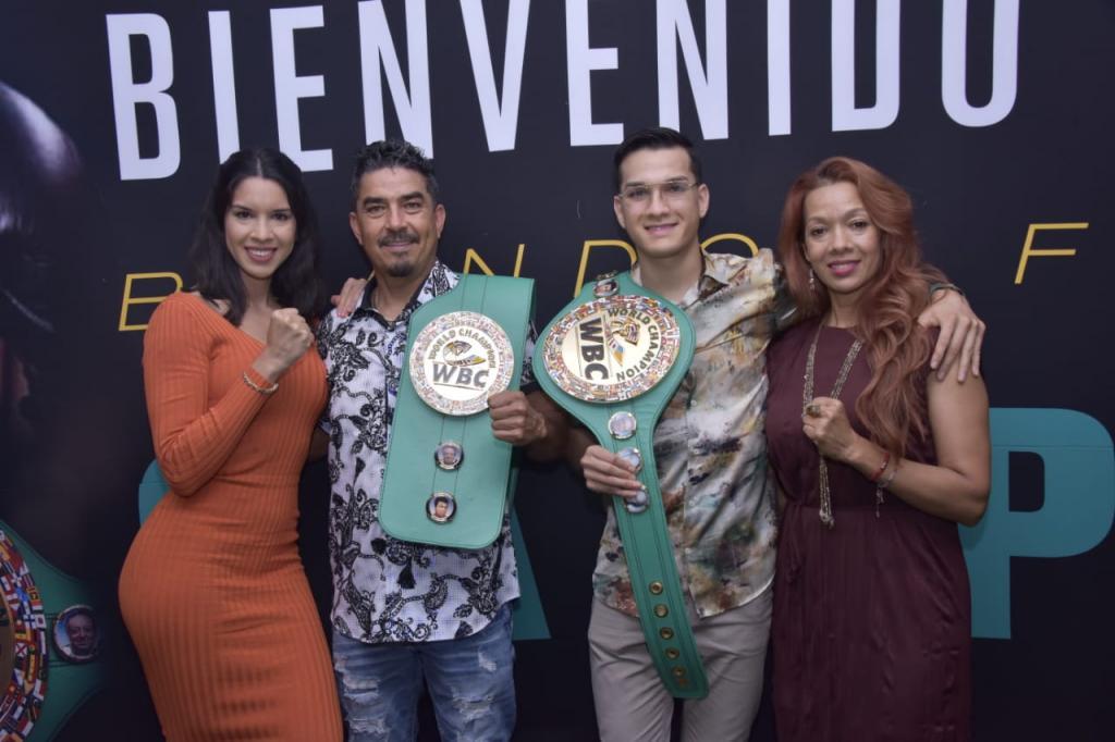 Brandon Figueroa Presented With WBC Green Belt   Boxen247.com