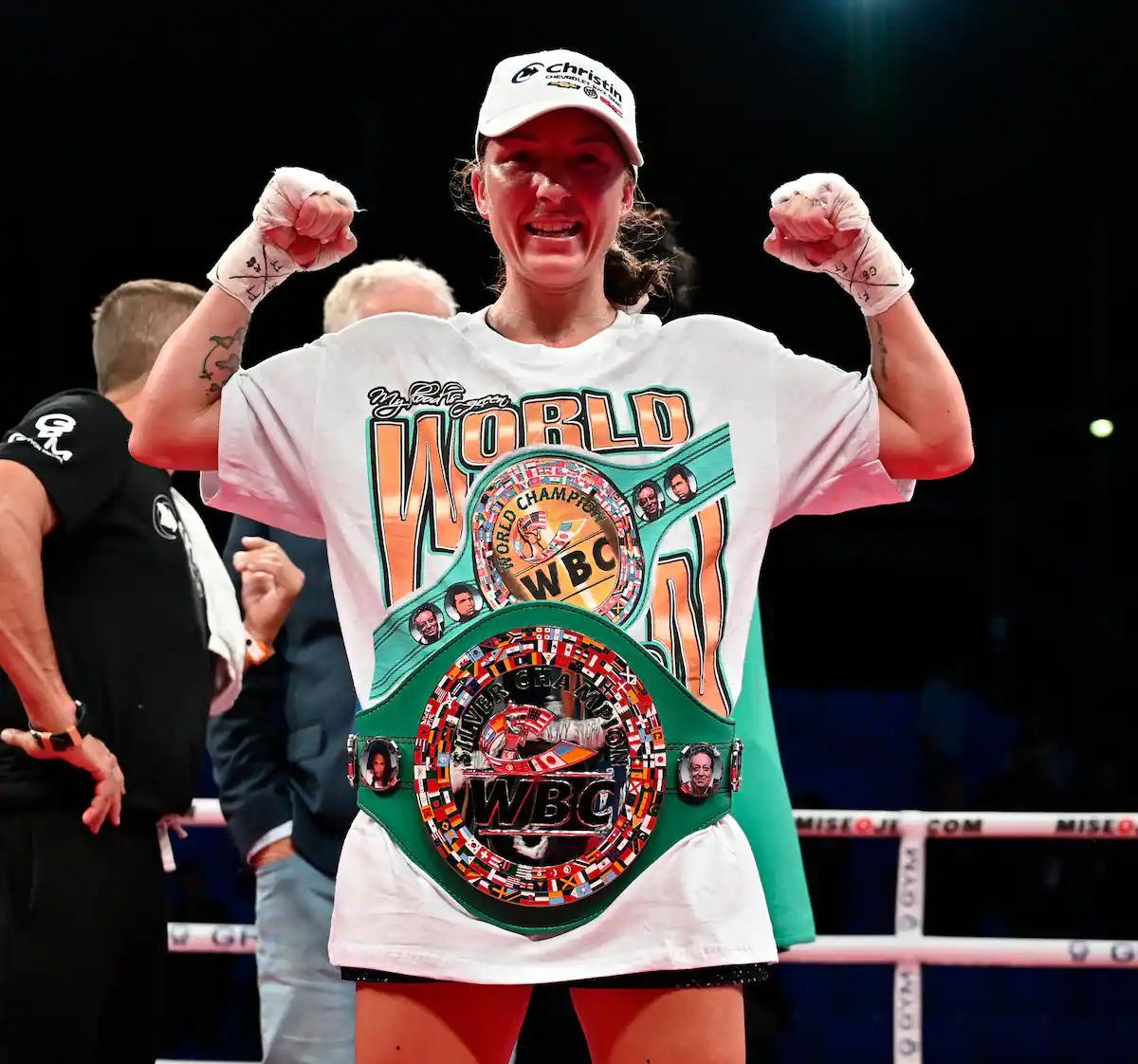 Kim Clavel defeats María Soledad Vargas in Montreal, Canada   Boxen247.com (Kristian von Sponneck)
