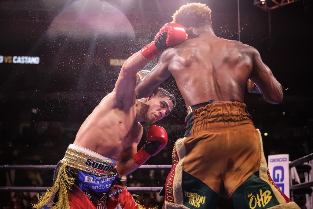 Jermell Charlo & Brian Castaño battle to a split decision draw | Boxen247.com (Kristian von Sponneck)
